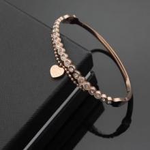 トレンドファッション  ブレスレット 抜け感のある 2018春夏新作 ティファニー Tiffany&Co