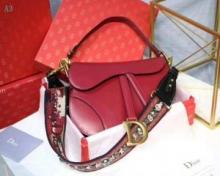 """大人の魅力 Dior スーパーコピー M0446CWGH_M900 ディオールブラック カーフスキン """"SADDLE"""" バッグコピー"""