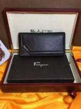 2018ss トレンド  サルヴァトーレフェラガモ スタイリッシュなデザイン  財布/ウォレット 切り売り販売