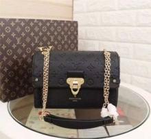 お買い得大人気LOUIS VUITTONヴィトン 偽物ヴァヴァン PMショルダーバッグレディースミニバッグ鞄おしゃれM44151全4色