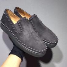清潔感溢れる  クリスチャンルブタン  スニーカー、靴  2019最新コラボ 完売間近   貴重なアイテム