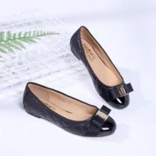 大人女子のおすすめサルヴァトーレフェラガモ 通販「ヴァリナ」靴 履き心地 ブランドコピー フラットシューズ 01M831 702228