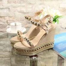 30代女性に高級靴ブランドChristian Louboutin Pyradiams 110mm サンダル ルブタン コピー 履き心地 ピラミッドスタッズ 新作
