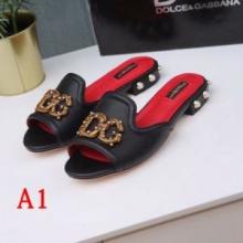 Dolce&Gabbana ドルガバ スーパーコピー サンダル 靴 サイズ感 フラットシューズ ロゴ デザイン エレガント 美脚効果