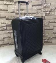 19SS新作 カジュアルコーデに 海外よりお届け 限定品 スーパー コピー ブランド コピー スーツケース
