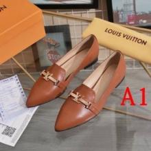 おしゃれ大人気 ヴィトン 新作 コピー  LVロゴ シューズ  Louis Vuitton激安 通勤 お出かけ フラットシューズ 履きこなす