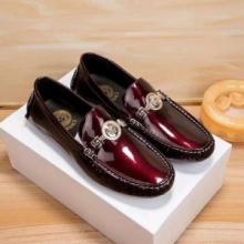 高級感満載ヴェルサーチ ブランド コピー おすすめVERSACE MEDUSA MEDALLION LEATHER LOAFERSローファーシューズ 通勤靴 結婚式