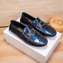 一番のおしゃれ新作2019ヴェルサーチ  靴 コピーVERSACE 激安 ビジネスシューズ 紳士靴 上質 秋冬のシューズコレクション