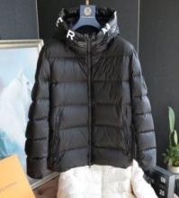 2019秋冬トレンド押さえておきたい ダウンジャケット MONCLER しっかり暖かな感じモンクレール 冬らしい雰囲気を演出する