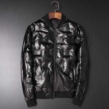 ダウンジャケット メンズ  今季らしい着こなし存在感 フェンディ とても良い抜け感を演出  FENDI 人気ランキング2019秋冬新作