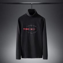 リラックスな雰囲気を楽しめる人気新作 PRADA 長袖tシャツ メンズ プラダ 服 メンズ コピー ブラック ホワイト 通勤通学 お買い得