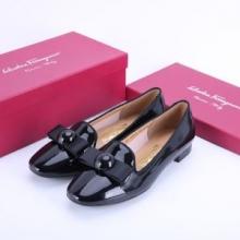 サルヴァトーレフェラガモ ferragamo靴 履き心地 フラットシューズ 大人っぽく履きこなす 新作 高品質 カジュアルシューズ