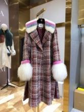 ゆったりきれいめスタイル新品  コート 2019年秋冬のトレンドをカッコ良く押さえ フェンディ FENDI 保温の効果素晴らしい